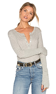 Cashmere Long Sleeve Henley Top en Gris Clair Chiné