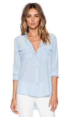 Slim Signature Blouse in Periwinkle Blue