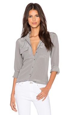 Equipment Super Vintage Slim Signature Button Up Top in Frost Grey