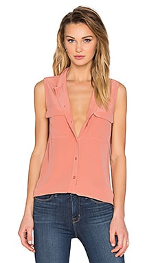 Sleeveless Slim Signature Blouse in Desert Sand