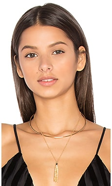 Layered Tassel Necklace en Dorado