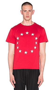 Etudes Studio Page Europa Tee in Europa Red