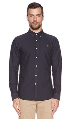 FARAH VINTAGE The Brewer Button Down in Navy