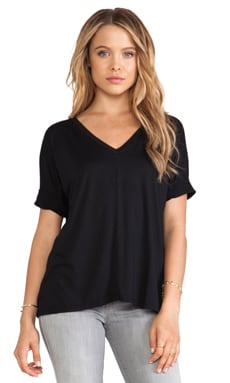 Feel the Piece Drop Shoulder V Neck in Black