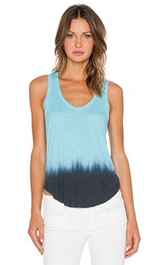 Feel the Piece Victory Tank in Sea Dye Blue