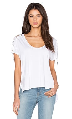 Trance Scoop Neck Top en Blanco