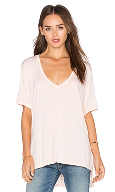 Feel the Piece Staton V Neck Short Sleeve Top in Sunset