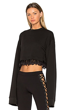 Cropped Pullover in Black