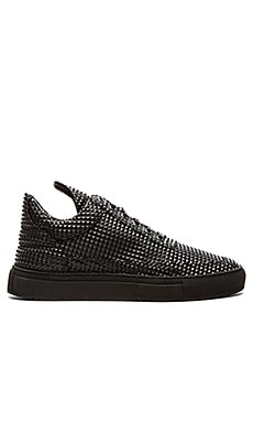 Filling Pieces Low Top Pyramid in Black