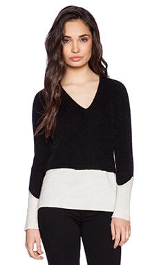 Fine Collection Color Blocked Sweater in Black & Ivory