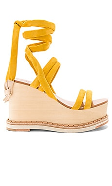 Lily Wedge