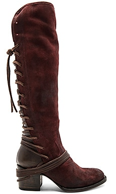 Coal Boot in Wine Suede