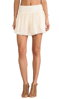 Crochet Mid Rise Short in Tea