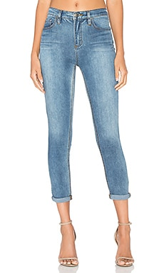 Gummy Roller Crop Jean in Lt Denim