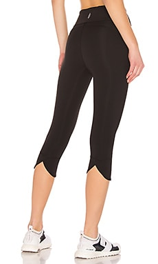 LEGGINGS MID RISE GET SHORTY Free People $51