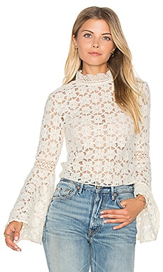 Kiss and Bell Lace Top en Crème