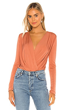 BODY TURNT Free People $68 MÁS VENDIDO