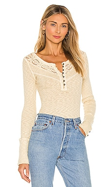 COME ON OVER HENLEY 탑 Free People $47
