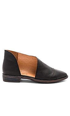 Royale Flat Free People $139