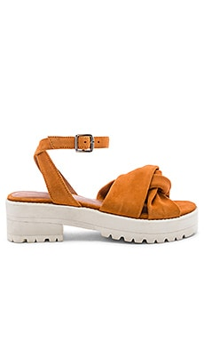SANDALES ESSEX Free People $90