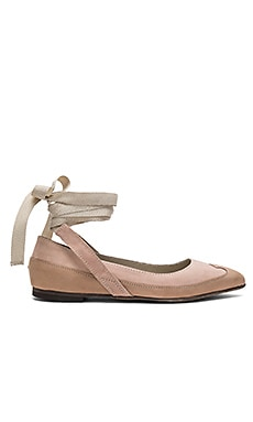 Pressley Wrap Flat in Pink