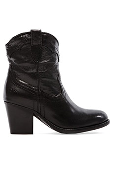 Frye Tabitha Pull On Short Boot in Black