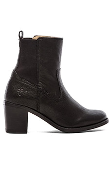 Frye Janis Gore Short Boot in Black