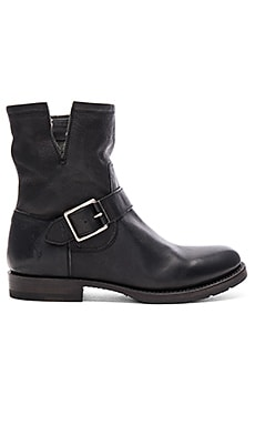 Natalie Short Engineer Boot en Negro