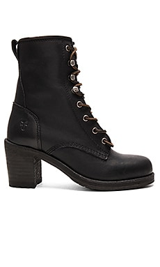 Karen Lace Up Short Boot en Noir