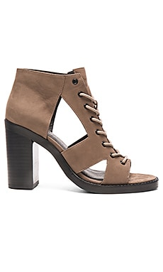 GREY CITY Abbey Heel in Grey