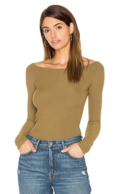 GETTINGBACKTOSQUAREONE Off The Shoulder Long Sleeve Top in Kangaroo