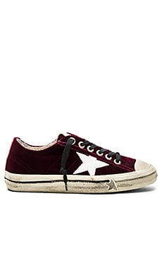 Golden Goose V Star 2 Sneaker in Plum Velvet