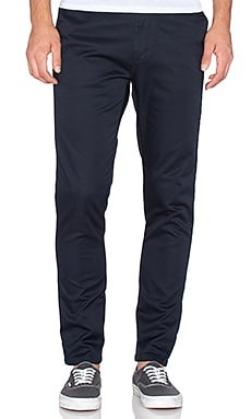Globe Union Chino en Dark Navy
