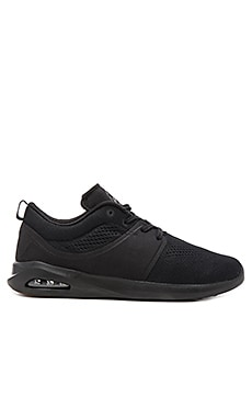 Globe Mahalo Lyte Sneaker in Black and Black