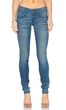Lynn Mid Skinny in Medium Aged