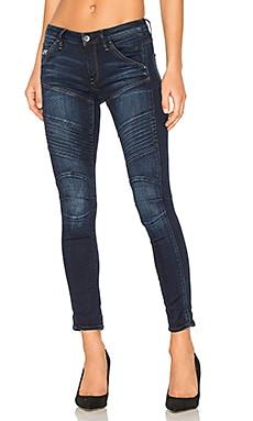 5620 Custom Skinny Jean in Medium Aged