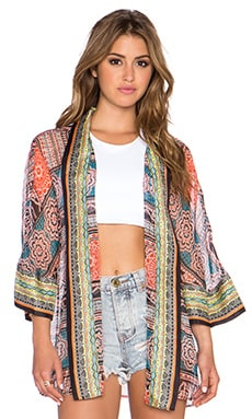 Gypsy 05 Printed Cropped Kimono in Black Multi