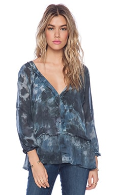 Gypsy 05 Flutter Hem Blouse in Botanical Navy