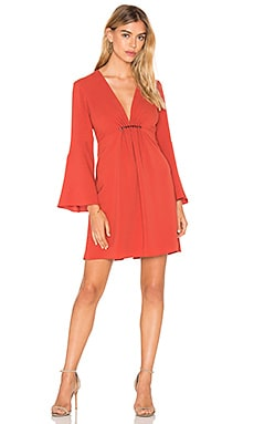 Deep V Bell Sleeve Dress en Sienna