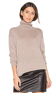Cashmere Oversized Turtleneck Sweater in Camel