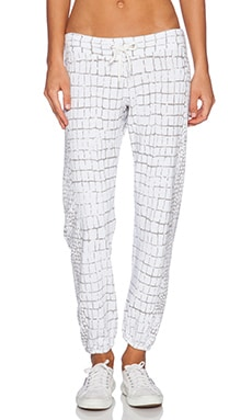 Oversized Crocodile Print Vintage Sweatpant in White