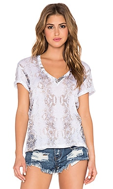 MONROW Snake Print Oversized V Neck Tee in White
