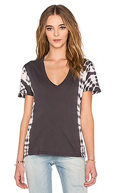 MONROW Oversized V-Neck Tee with Border Tie Dye in Vintage Black