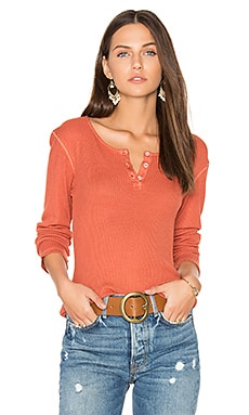 Long Sleeve Henley Tee in Rusty