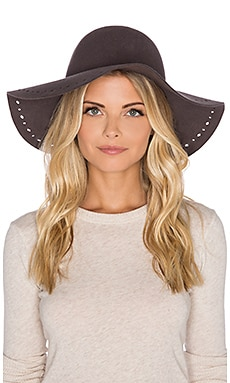 Hat Attack Round Floppy Perforated Edge Hat en Charcoal