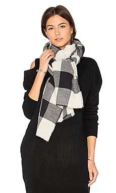 Buffalo Check Scarf in Navy & Ivory