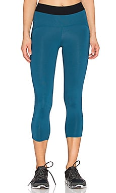 Heroine Sport Studio Capri in Teal & Black