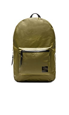 Herschel Supply Co. Studio Collection Settlement in Army Tarpaulin