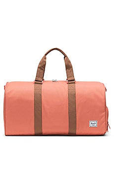 BOLSA NOVEL Herschel Supply Co. $85