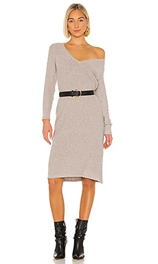 ROBE PULL JULI House of Harlow 1960 $178